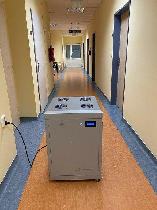 Unikátní přístroj na dezinfekci v znojemské nemocnici. Foto: Nemocnice Znojmo