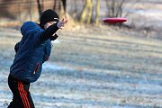 Zimního turnaje v discgolfu Krumlovská klendra 2019 se předposlední lednovou sobotu v Moravském Krulově zúčastnilo 87 závodníků.