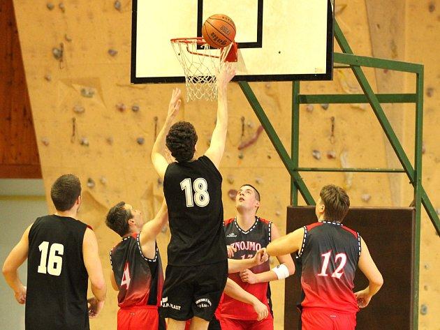 Znojemští basketbalisté prohráli s Kyjovem.