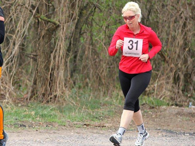 Devět a půl kilometru do kopce a převýšení 781 metrů, tak vypadala trať dvanáctého ročníku mistrovství světa veteránů v běhu do vrchu. Na závod v německém Bühlertalu, kde se šampionát konal, se vydala i znojemská běžkyně Ida Holíková.