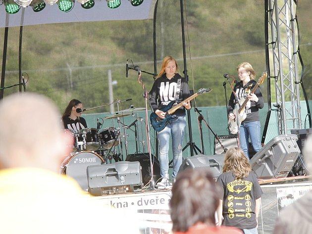 Letošní MiniFest Pohoda ovládly dívčí kapely.