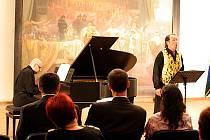Koncert mezi plátny Slovanské epopeje.