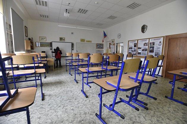 Škola a doučování vdobě koronaviru. Ilustrační foto