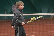 Znojemský tenis se dočkal. V sobotu otevřel tenisovou halu s antukovými dvorci a v pondělí si ji naplno užili i malí tenisté.