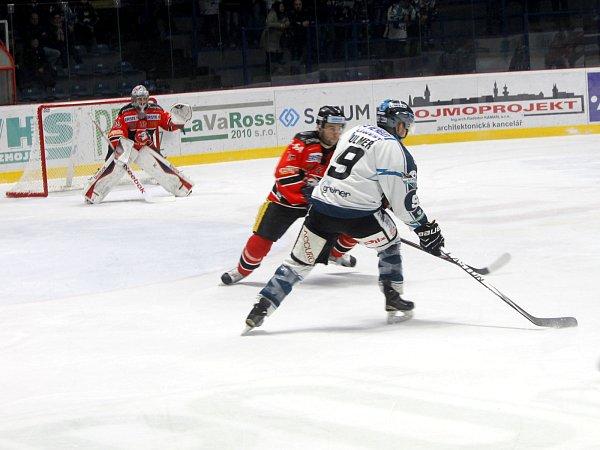 Na domácím ledě Orli zazářili, Linz porazili 8:2.
