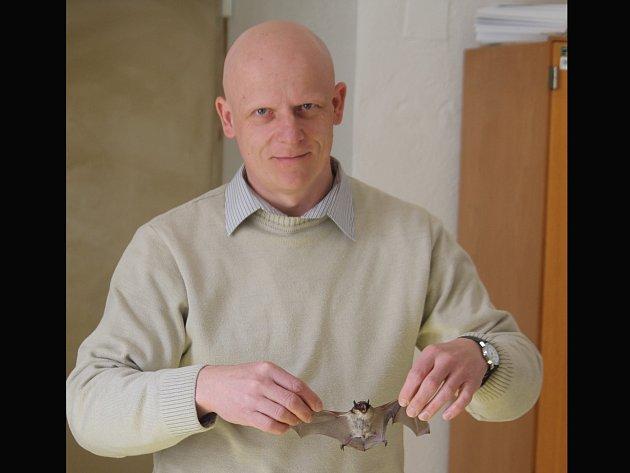 Svůj profesní život zasvětil zoolog Antonín Reiter netopýrům.