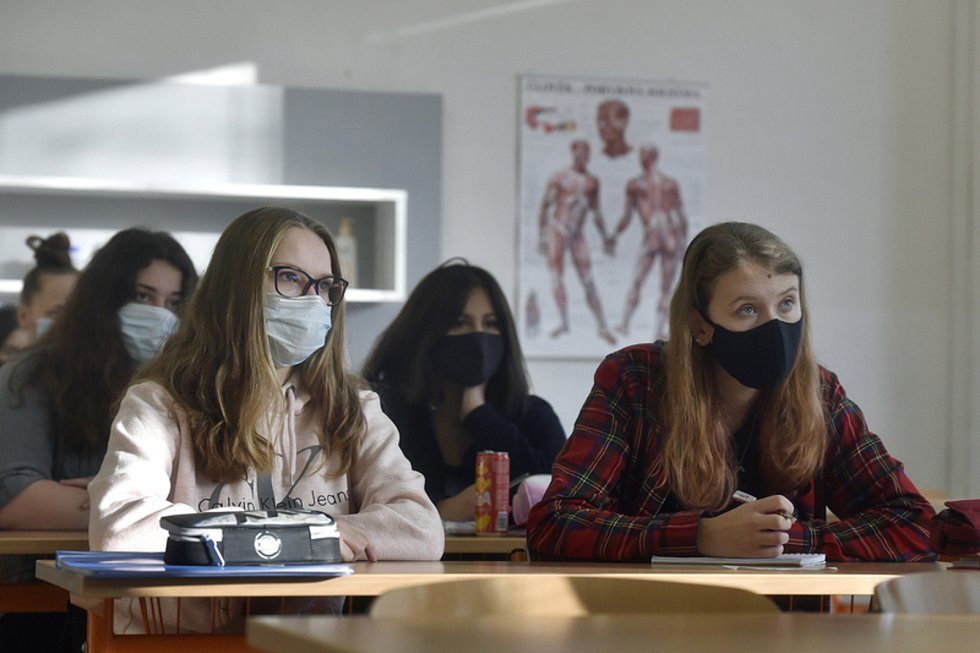Škola a doučování v době koronaviru. Ilustrační foto