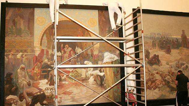 Stěhování Slovanské epopeje ze zámku v Moravském Krumlově
