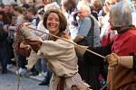 Průvod 460 kostýmovaných postav a historická scéna na hlavní tribuně připomínají návštěvu Jana Lucemburského, který přijel do Znojma, aby zde oslavil úspěšná státnická jednání. Ústřední postavou průvodu je král Jan s chotí Eliškou Přemyslovnou.