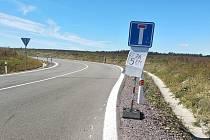 Podle majitelky místního hotelu Hany Weissové se do Lechovic od Brna kvůli dopravním značkám žádné auto nyní nedostane.