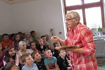 Společným čtením nazvaným Knihy mého dětství zahájila Městská knihovna Moravský Krumlov projekt Jižní Morava čte, který je určen na podporu čtenářství.