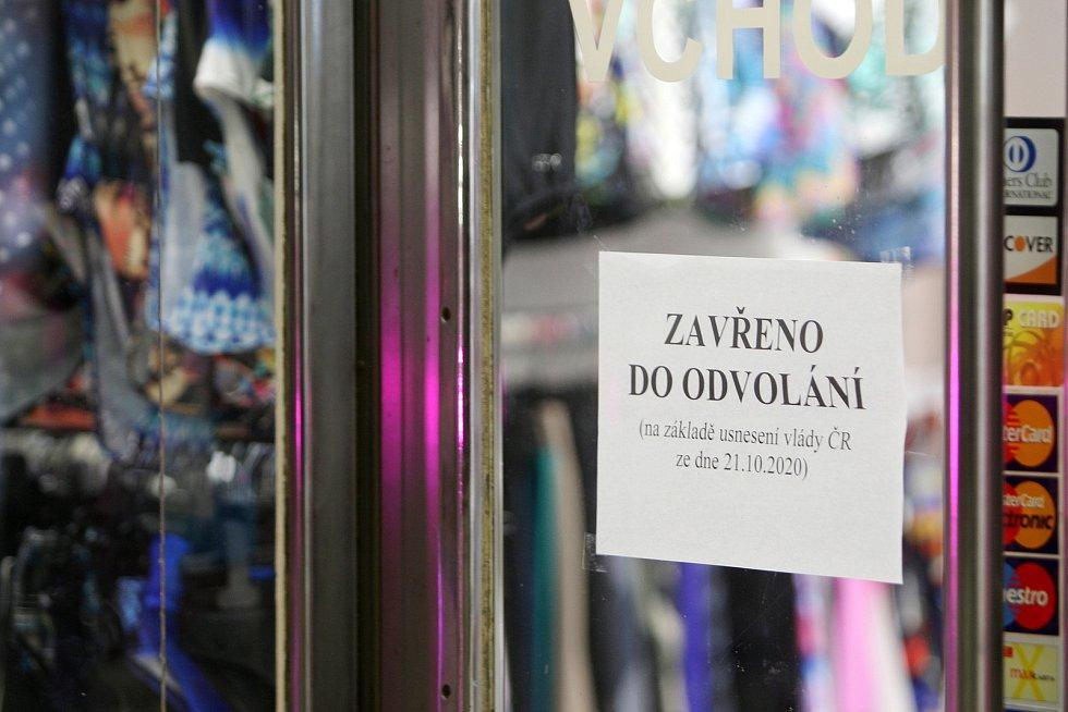 Brno v době opatření proti koronaviru - uzavření obchodů