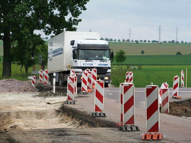 Kamiony na objížďce u Znojma porušují zákaz vjezdu