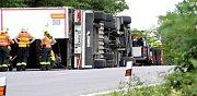 V serpentinách u Vranovské Vsi havaroval kamion.