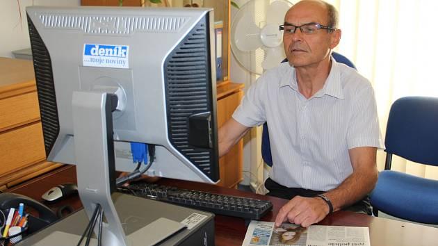 Kandidát ODS na senátora Karel Podzimek odpovídá online čtenářům Znojemského deníku Rovnost.