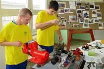 Střední škola ve Dvořákově ulici ve Znojmě předvedla zájemcům, jaké odborníky ve svých třídách připravuje.