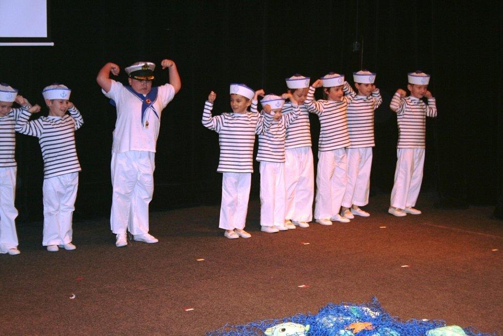 Mateřinka plná tance a kostýmů