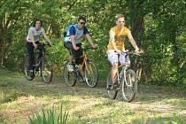 Šanov se od víkendu může chluvit novou cyklostezkou. Místní její otevření náležitě oslavili.