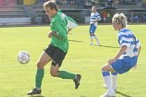 Znojemští fotbalisté se znovu dostali na čelo Moravskoslezské fotbalové ligy. Stalo se tak po jasném vítězství nad nováčkem ze Slavičína. Jihomoravský celek ho udolal poměrem 4:0.