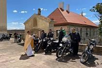 Motorkáři si přiijeli pro požehnání.
