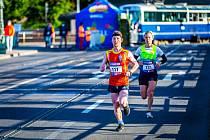 Vojtěch Čabala dostal při Pražském maratonu číslo 111. Skončil však devětačtyřicátý a stanovil svůj nový osobní rekord.