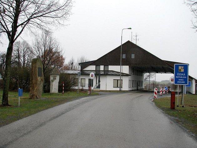 Napodruhé získal hraniční přechod ve Vratěníně vlastník se seriózním záměrem. Nový majitel plánuje přestavbu na ubytovnu a kavárnu s cukrárnou.
