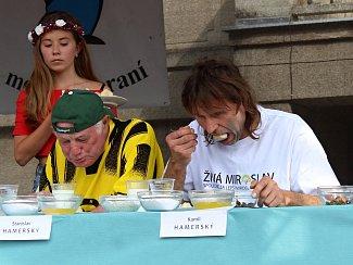 Soutěž jedlíku je vrcholem programu miroslavského Meruňkobraní.