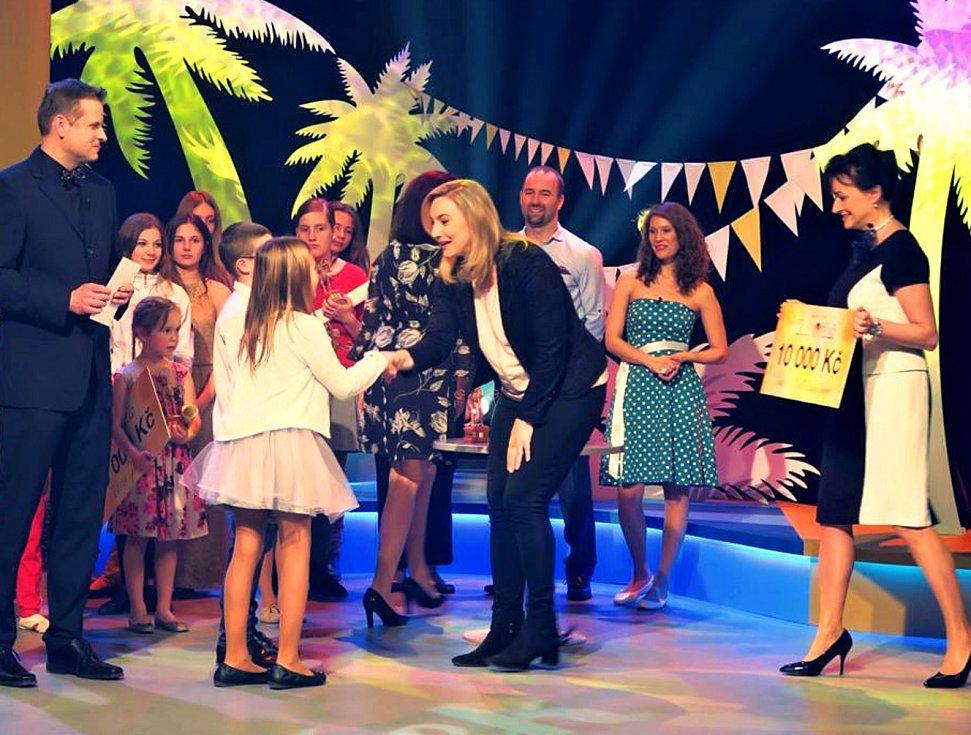 Své žáky dovedla Marcela Přibylová k vítězství v talentové soutěži Zlatý oříšek.