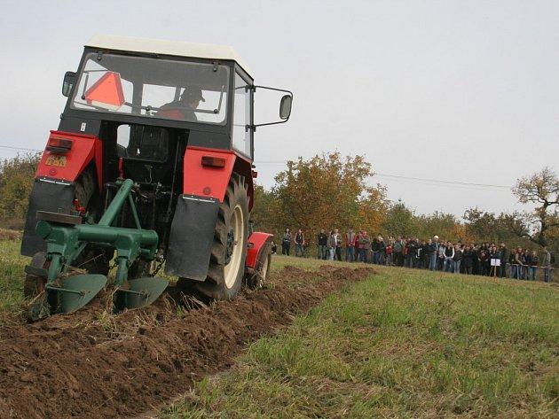 Studenti znojemské zemědělské školy soutěžili v orbě
