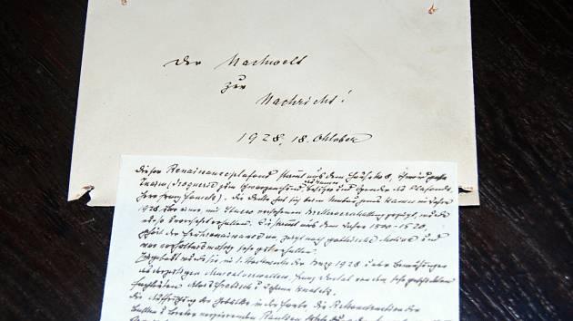 Na znojemském hradě našli vzkaz z roku 1928. Historik Anton Vrbka jej napsal v němčině.
