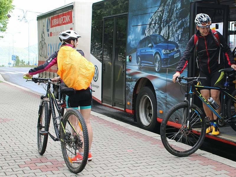 Z Brna do vzdálenějších míst na cyklistické trase spojující město s Vídní vozí nadšence speciální cyklobusy. Ilustrační foto.