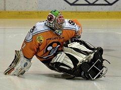 Sledge hokejový brankář Jan Matoušek.
