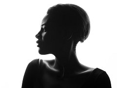 Černobílé snímky vystavuje Pavlína Prokůpková od 3. srpna do 30. září ve znojemské hospůdce Na Věčnosti.