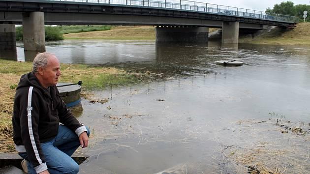 Stav řeky Dyje u Hevlína na Znojemsku v pondělí 3. června 2013.