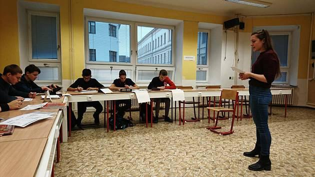 Na gymnáziu v Moravském Krumlově působí americká lektorka Maryellen Stohlman-Vandervee. Foto: archiv školy