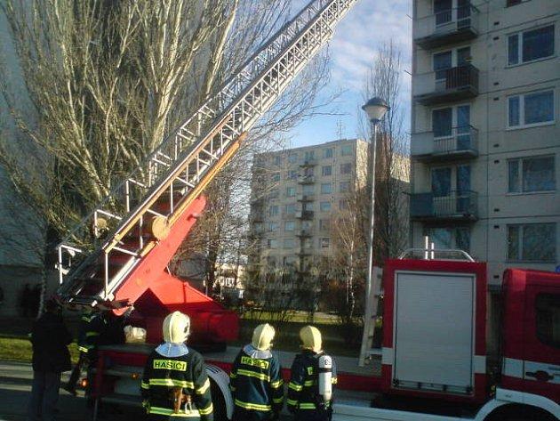 Zásah hasičů na Dukelské ulici