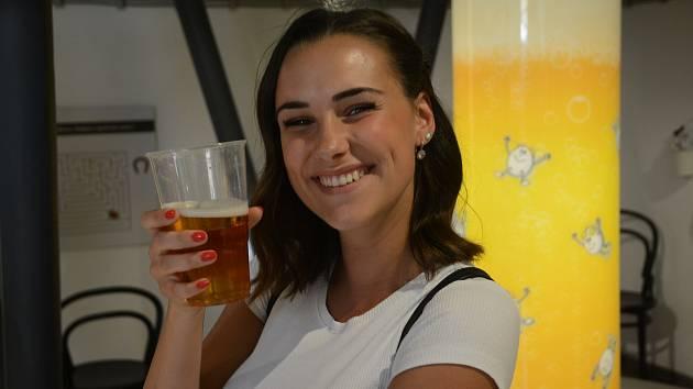 Teprve s pivem je žízeň krásná;