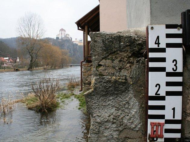 První povodňový stupeň na Vranovské přehradě.