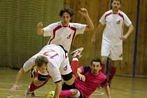 Ve Znojmě si po třech letech opět hraje ve sportovní hale AD Vyžrálek futsalová liga. Účastní se jí šest týmů, které tvoří fotbalisté ze všech soutěží, jenž se na Znojemsku hrají.