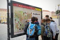 Žáci ze základní školy v ulici Mládeže ve Znojmě poznávali své město a vytvářeli originální mapy.
