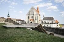 Lavička je z dílny znojemských architektů ze studia ORA.