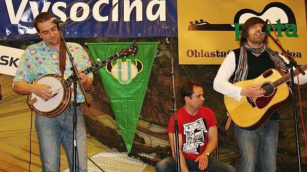 Novinkou mezi znojemskými hudebními tělesy je newgrassová kapela Pepa Barnet & Sešup.