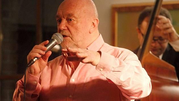 Festival JazzFest Znojmo opět zahájí jeho patron Peter Lipa a jeho hosté.