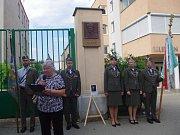 Sto páté výročí narození výsadkáře a válečného hrdiny Jana Kubiše si připomněli lidé ve Znojmě. Přítomné oslovila Marie Achrerová z Konfederace politických vězňů.