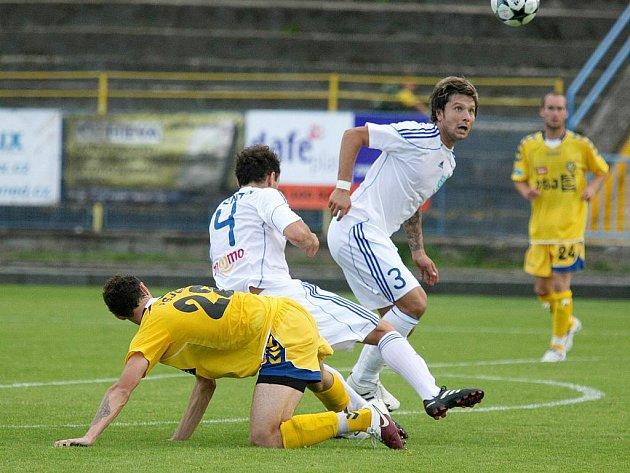 Todor Yonov (v bílém s číslem 3).