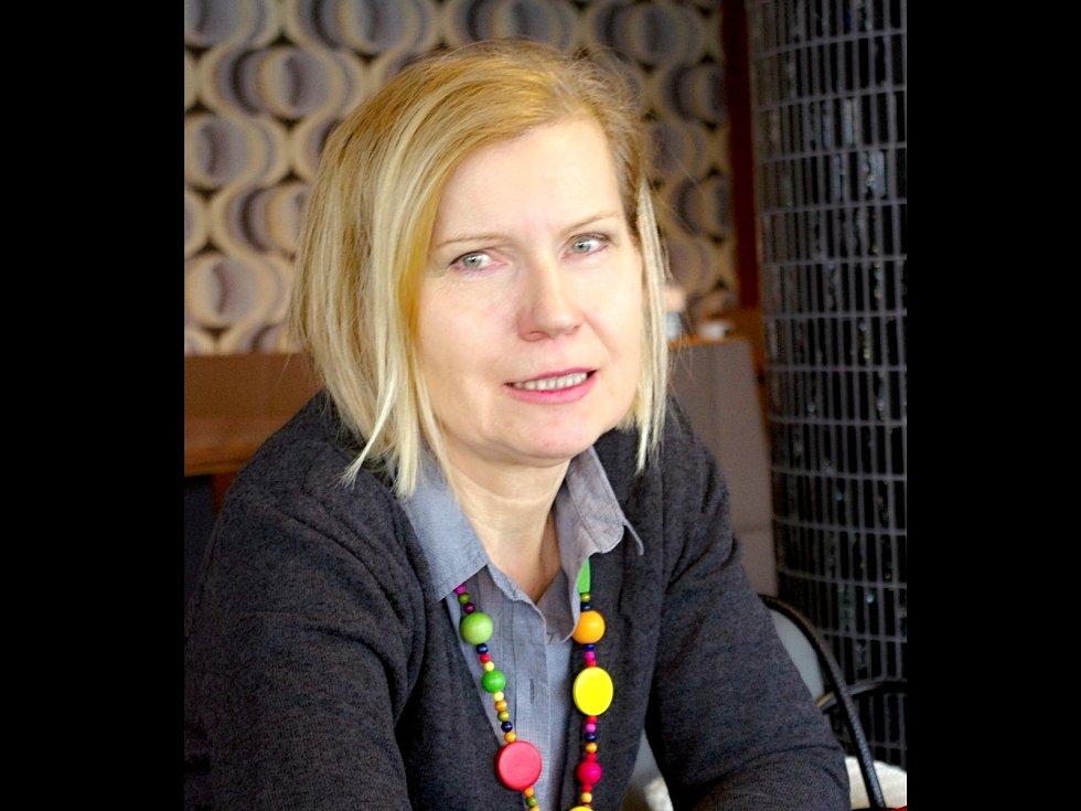 Simona Dunglová je členka znojemské výtvarné skupiny Menadr, která oslavila loni desáté výročí.