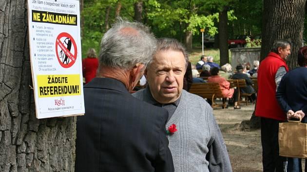 Komunisté se tradičně sešli ve Znojemském městském lesíku