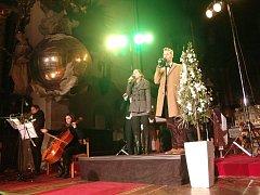 Koncert sólistů Městského divadla Brno zcela zaplnil Chrám sv. Mikuláše ve Znojmě.