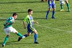 Fotbalisté Tasovic (modro-žlutí) včera remizovali 2:2 s týmem Ždírce nad Doubravou.