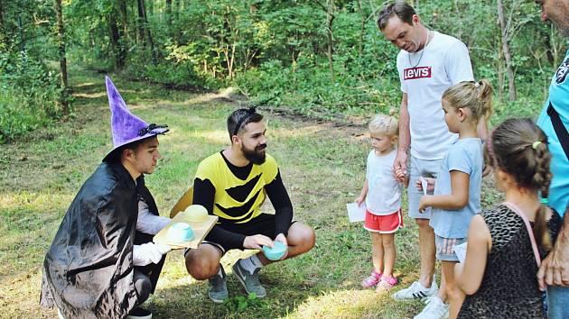 Jaroslavické děti zavítaly do pohádkového lesa.